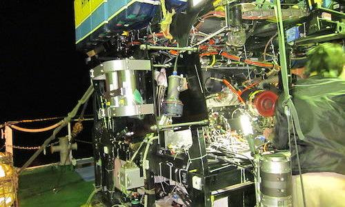 深海探査システムの映像から海底面積を推定してみる